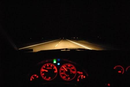 Uzun Yolda Gece Araç Kullanmak
